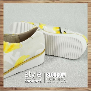 Refreshing summer | Japanese flower cloth | Elastic design | Leather insole | RS3834C
