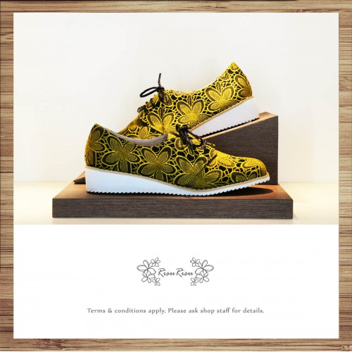 Yellow Flower Suzuki Floral Shoes / Natural 3-D Ripple / Leather Insole  / Handmade / Japanese Fabric / RS5701B
