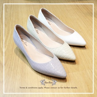 Natural Milk White /  Sheepskin Low Heels / Handmade / Full leather / RS5983A