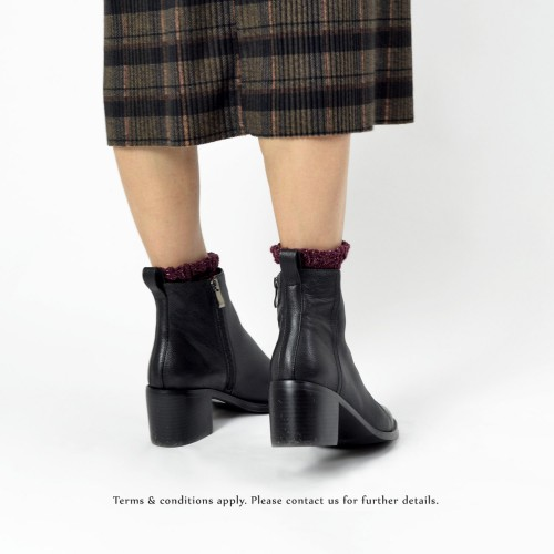 Soft leather comfort black boots | Side zip short boots | RS6619A