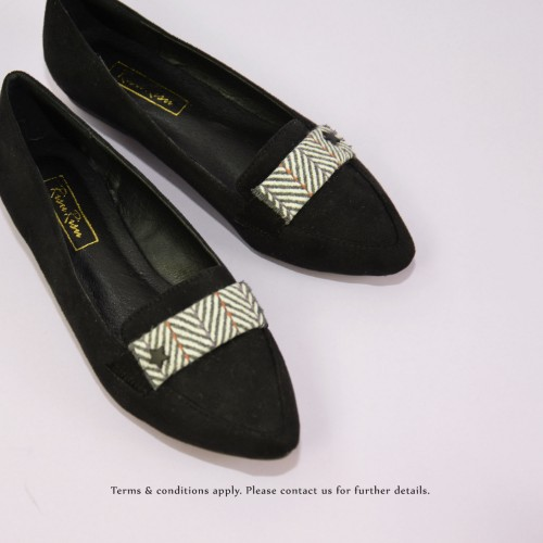 Japanese woven Flat Pumps | Streamline pointed design | Handmade | Black | RS6918B