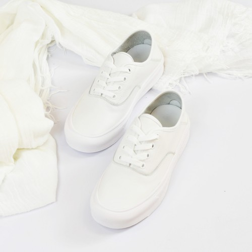 Lace-up Casual Sneaker | Breatheable | leather Cushion Insole | White | RS7530A