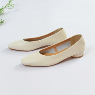 Slim fit feet | Classic Square Toe Heel Shoes | White | RS7577A